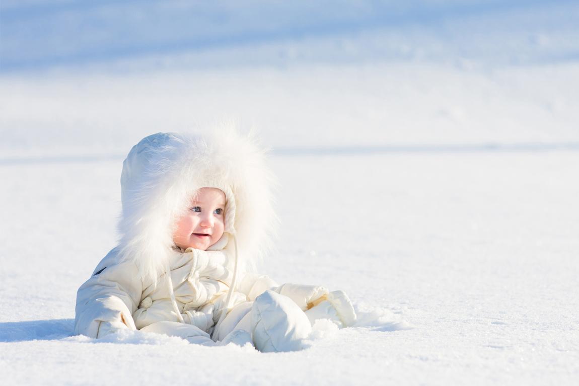 bebe a la neige