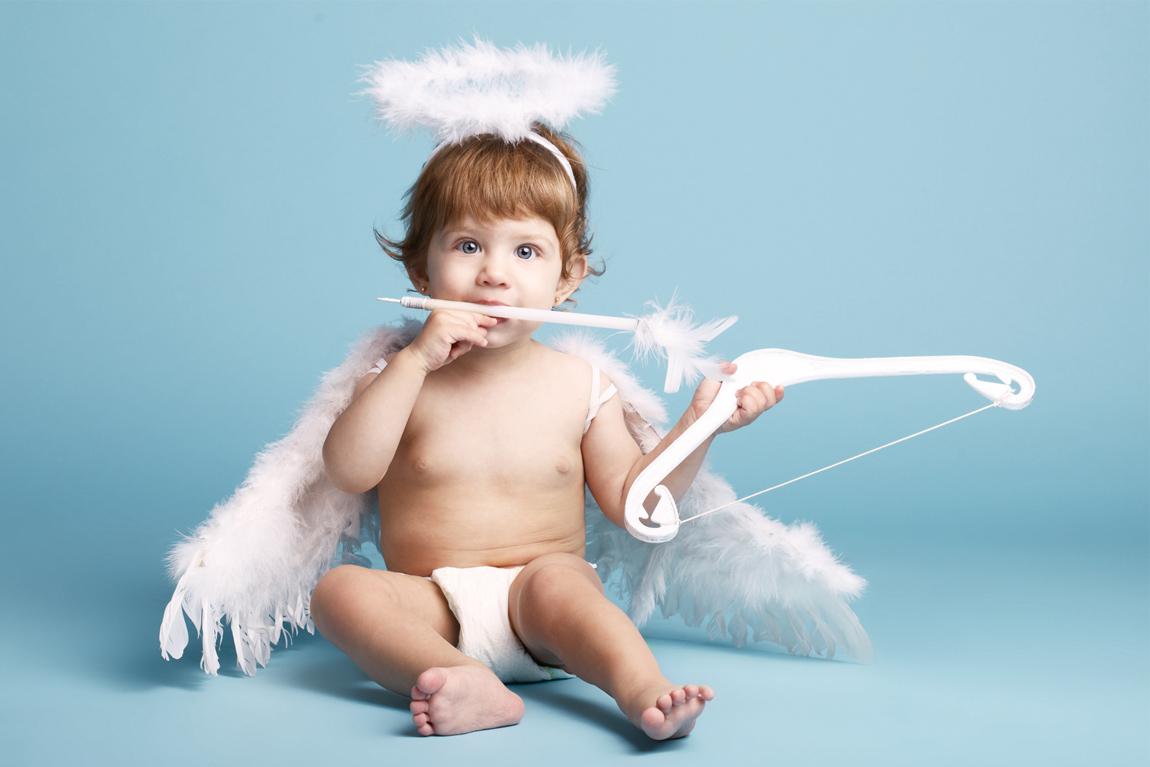 Bébé déguisé en ange