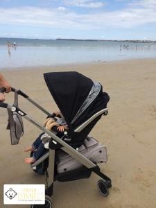 Loola Bébé Confort à la plage