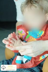 Application peinture sur les mains