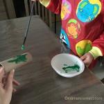 peinture au pinceau enfant