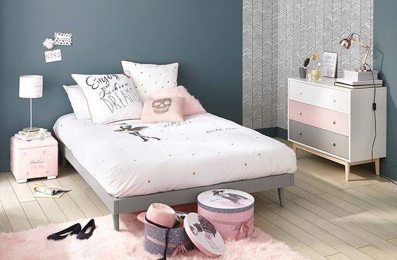 chambre fille scandinave couleur bleu et rose poudré